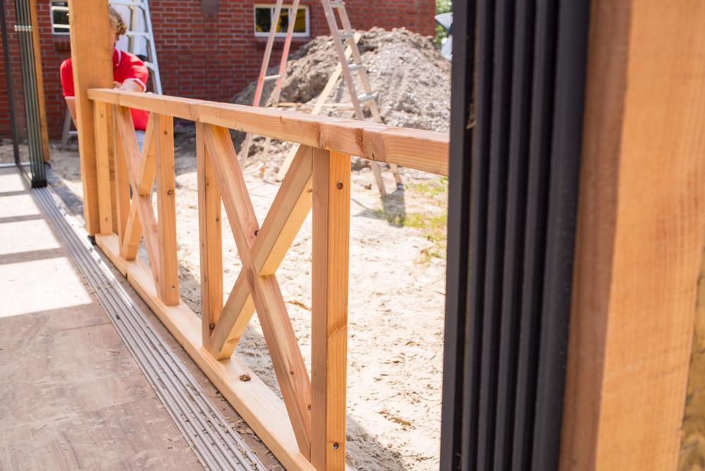 New Balustrade Hek Lariks Douglas hout 272 x 70 cm met kruis &WW12